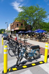 Milwaukee_WI_Bike_Corral2_-_CafeHollander
